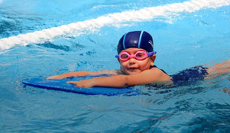 actividades-extraescolares-del-colegio-williams-cuernavaca-actividades-natacion