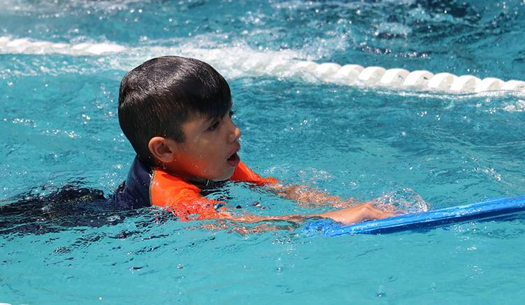 mejor-kinder-en-cuernavaca-imagen-masoneria-natacion