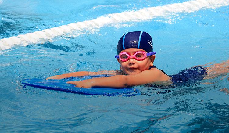 mejor-kinder-en-cuernavaca-imagen-natacion