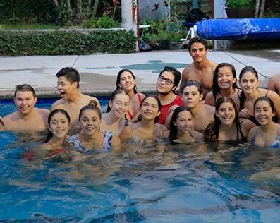 mejor-secundaria-trilingue-en-cuernavaca-imagen-masoneria-natacion
